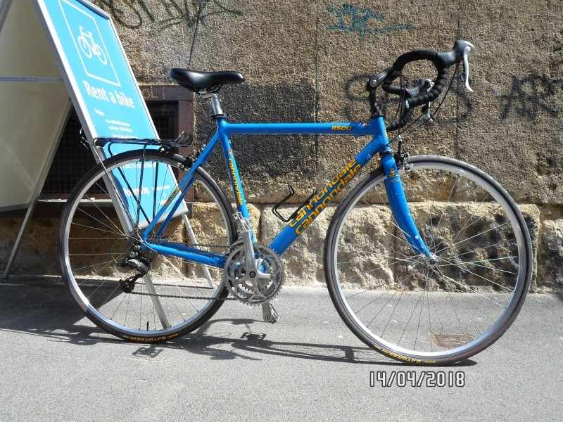 Cannondale R500T, road bike, frame size 54cm; colour: blue with yellow letters